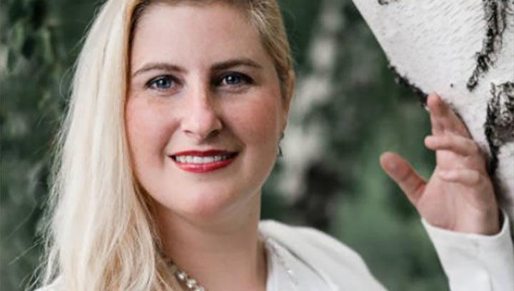 Dr. Carmen leser | ICE AESTHETIC